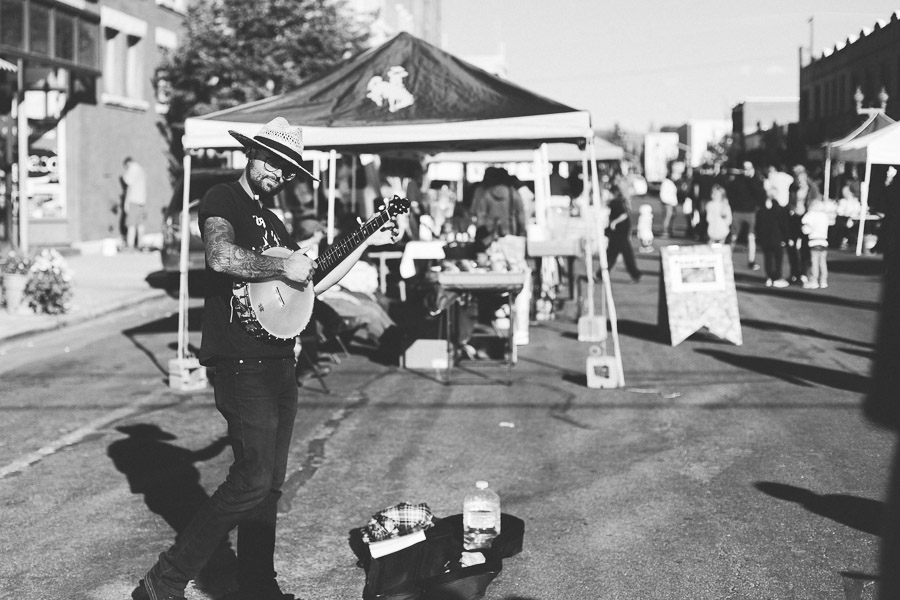 Downtown Laramie Wyoming Pop-Up Art Walk 2015 photography by Megan Lee Photography based in Laramie Wyoming.