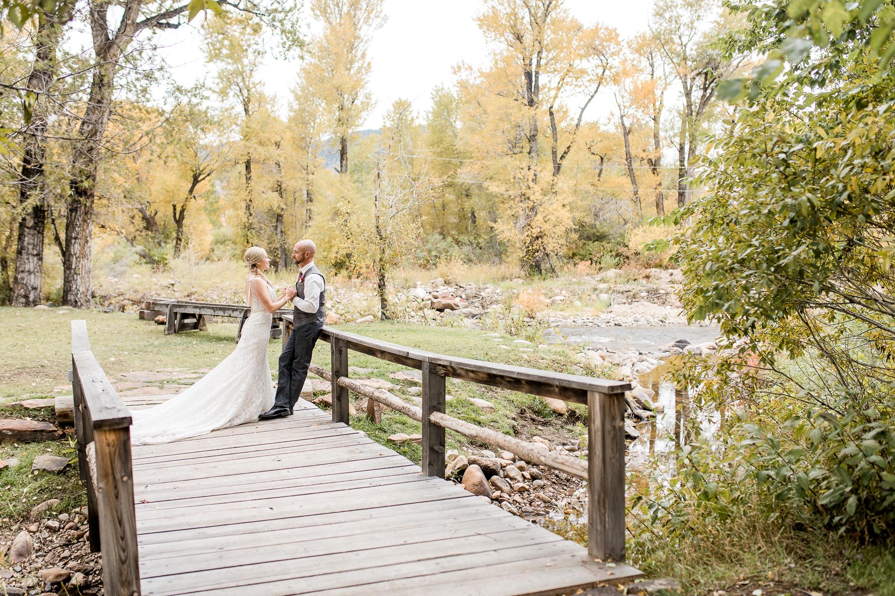 Autumn Wyoming Wedding by Laramie based photographer Megan Lee Photography